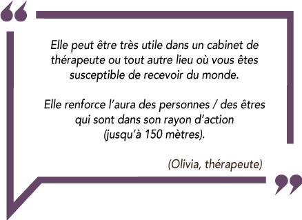 Avis d'Olivia thérapeute sur l'amulette d'Isis en céramique