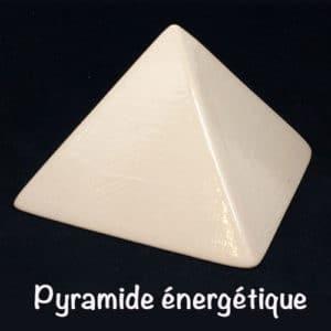 Pyramide énergétique en céramique