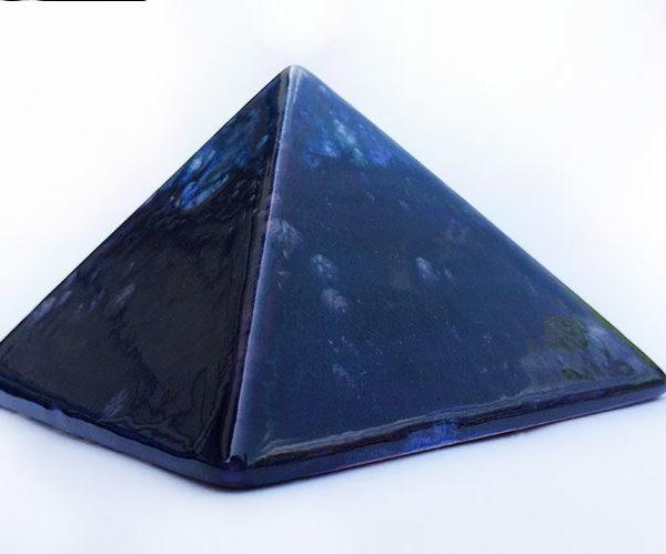 Achat pyramide souhaits - Pyramide énergétique en céramique - fat main