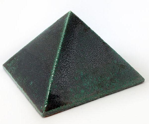 Achat pyramide - pyramide énergétique en céramique (côté 9 cm) - Vert métallique