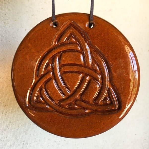 Acheter amulette celtique Triquetra en céramique